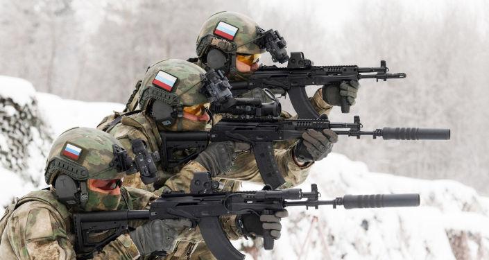 'Superkalashnikov': unidades de reconhecimento e forças especiais da Rússia recebem novo fuzil AK-12