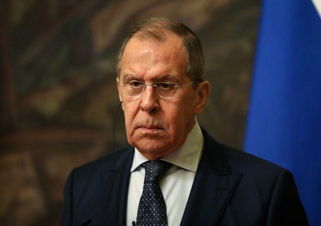 Chanceler russo Sergei Lavrov se faz presente em um encontro com diplomatas do Irã em Moscou