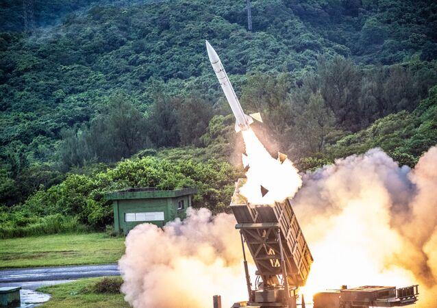 Lançamento do míssil Tien-Kung I, de Taiwan, durante exercício militar (imagem referencial)