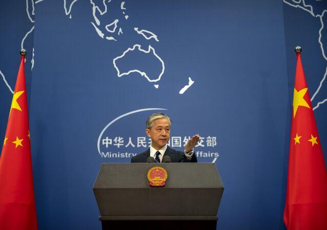 Porta-voz do Ministério das Relações Exteriores da China, Wang Wenbin, durante briefing diário em Pequim, 24 de julho de 2020