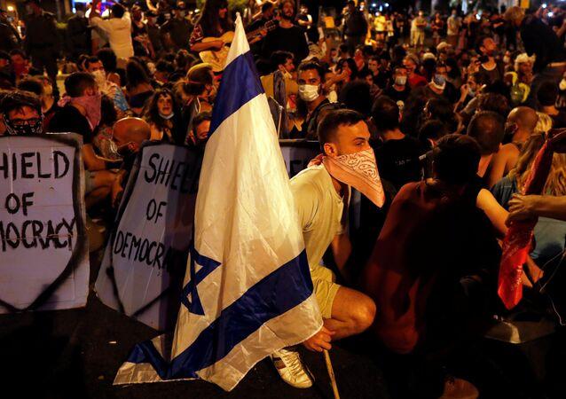 Manifestantes protestam contra Benjamin Netanyahu em Jerusalém