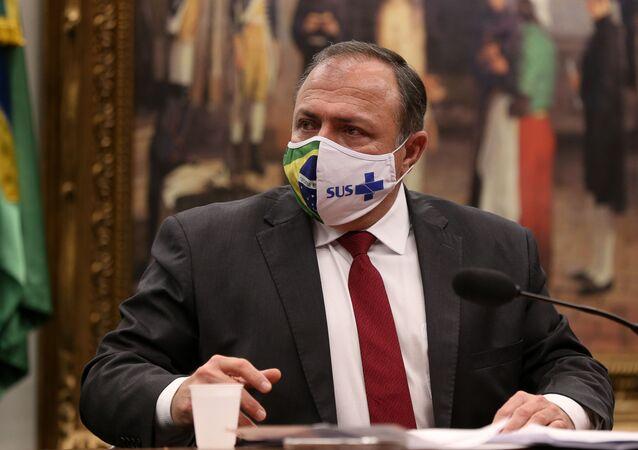 O ministro interino da Saúde, Eduardo Pazuello.