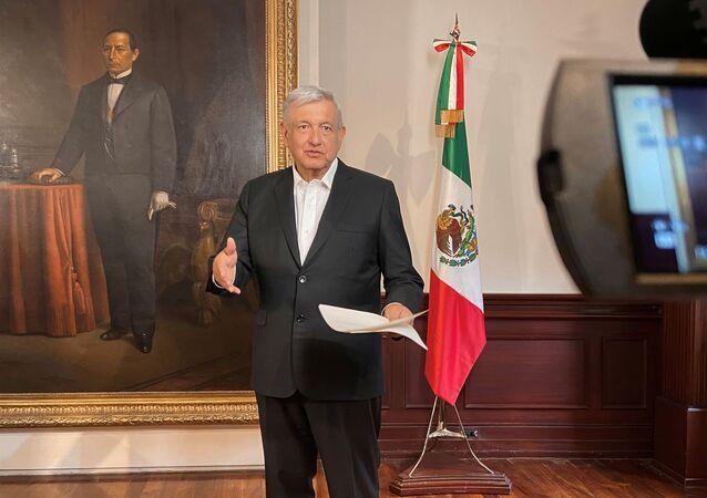 Presidente do México, Andrés Manuel López Obrador, dá mensagem sobre vacina contra o coronavírus (COVID-19) no Palácio Nacional na Cidade do México, México, 16 de agosto de 2020