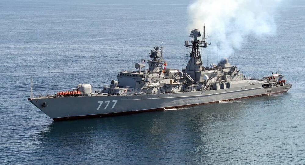Exercícios navais conjuntos realizados entre Irã, China e Rússia no golfo de Omã, em 2019