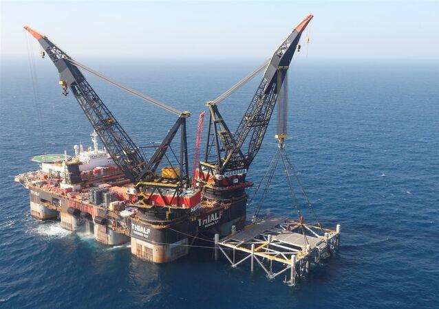 Plataforma de exploração de gás no campo de gás natural de Leviatã, no mar Mediterrâneo