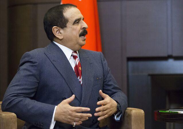 Hamad bin Isa Al Khalifa, rei do Bahrein, concordou com a normalização dos laços depois de conversar com os líderes de EUA e Israel, Donald Trump e Benjamin Netanyahu (imagem de arquivo)