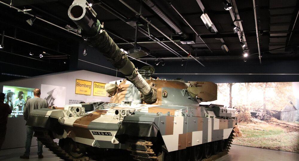 Tanque britânico Chieftain (foto de arquivo)