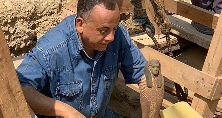 Objeto encontrado durante escavações em Sacará, Egito
