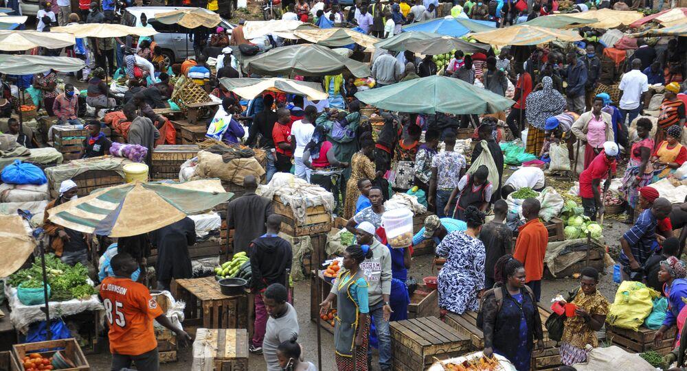 Mercado em Kampala, Uganda, 26 de março de 2020
