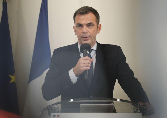Olivier Véran, ministro da Saúde da França, durante declarações à imprensa em Paris, em 17 de setembro de 2020