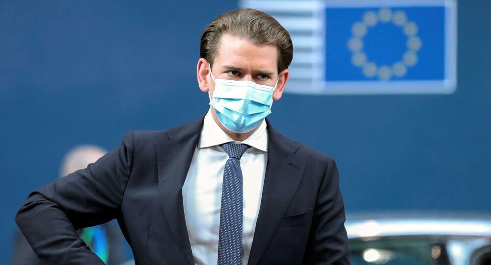 O chanceler da Áustria, Sebastian Kurz, chega para participar da reunião do Parlamento Europeu.