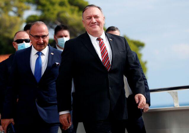 Secretário de Estado dos EUA, Mike Pompeo, e ministro das Relações Exteriores da Croácia, Gordan Grlic Radman, em Dubrovnik, Croácia