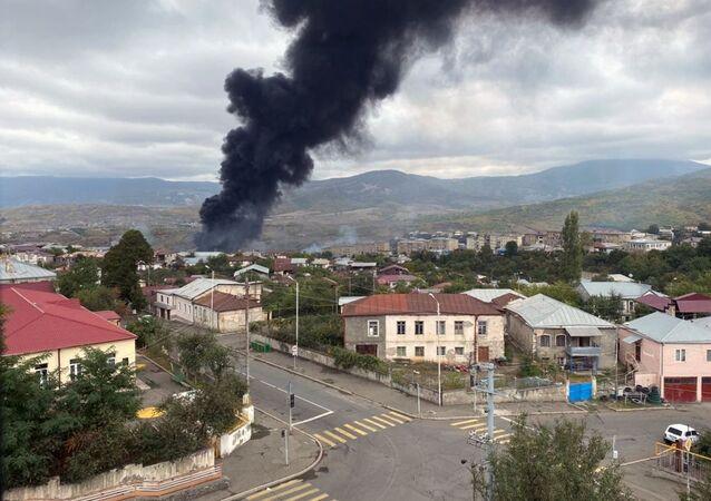 Consequências do bombardeio de Stepanakert, capital da república não reconhecida de Nagorno-Karabakh (foto de arquivo)