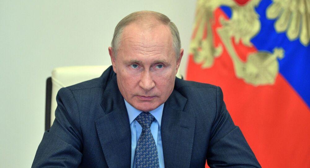 Presidente da Rússia, Vladimir Putin durante reunião em formato virtual, em Moscou, Rússia, 8 de outubro de 2020