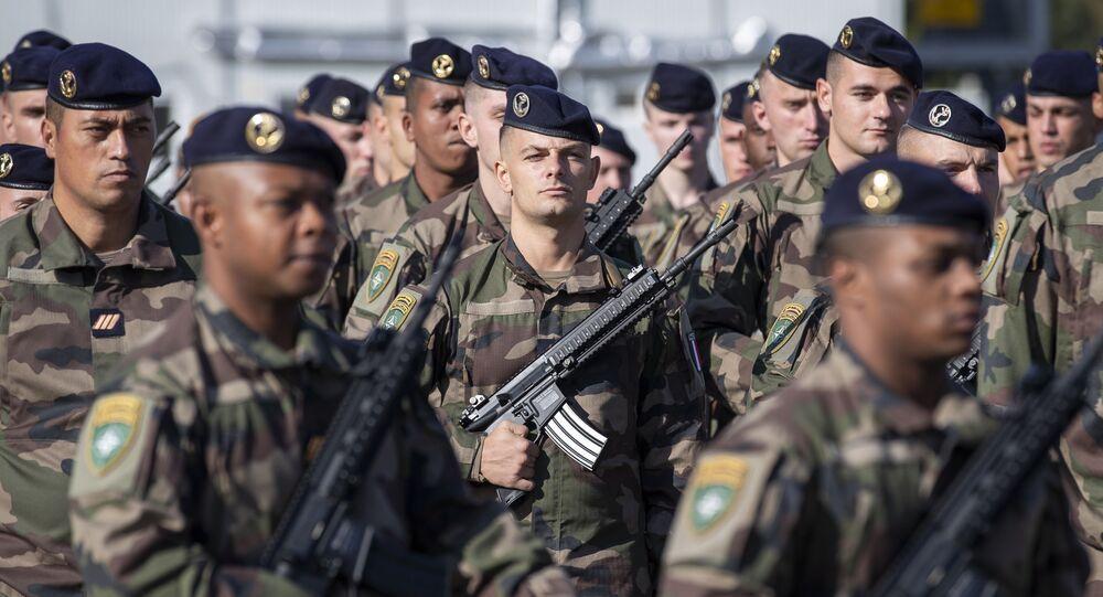 Soldados da França integrando tropas da OTAN