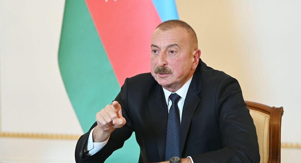 Ilham Aliev, presidente do Azerbaijão, discursa em rede nacional em Baku, 4 de outubro de 2020