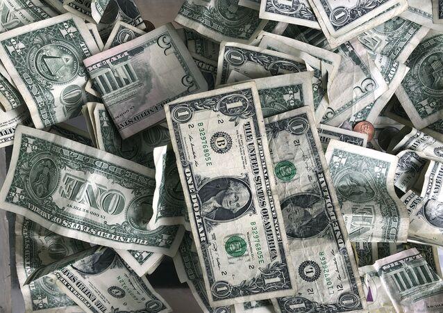 Notas de dólar norte-americano (imagem referencial)