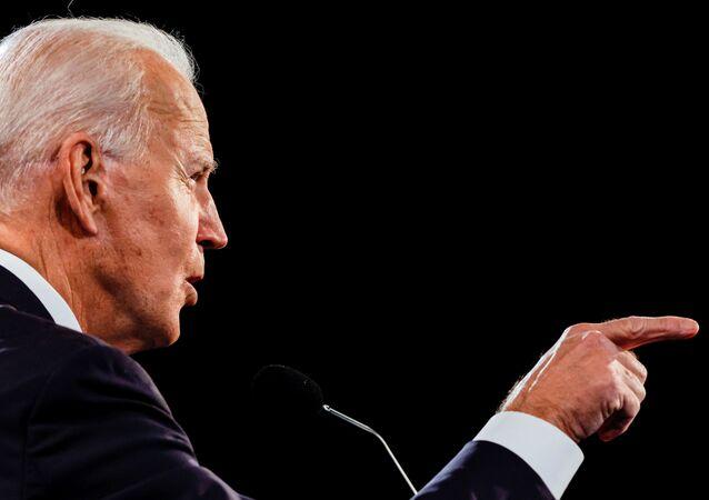 Candidato democrata à presidência dos EUA, Joe Biden fala durante o terceiro e último debate presidencial com Donald Trump, presidente dos EUA, na Universidade Belmont em Nashville, Tennessee, EUA, 22 de outubro de 2020
