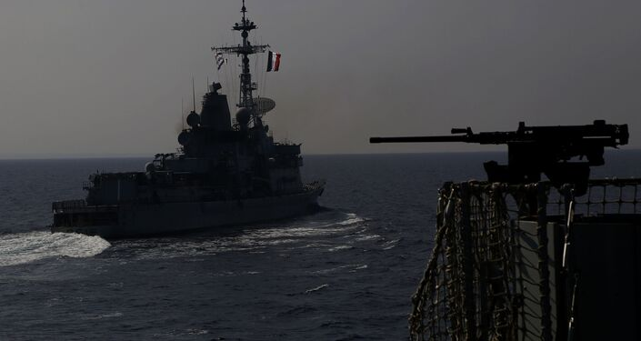 Navio de guerra francês durante exercício militar conduzido pela França, Reino Unido e Chipre em 27 de outubro de 2020 no Mediterrâneo