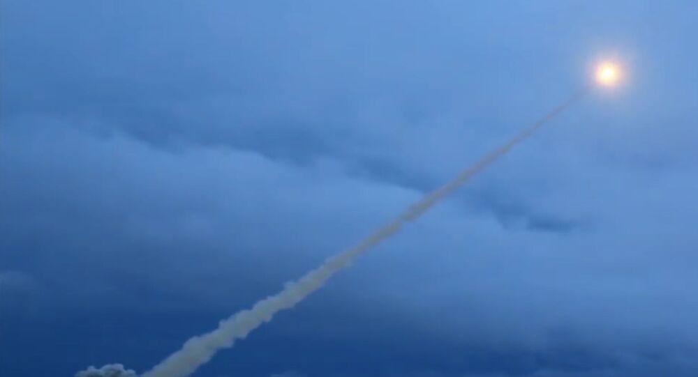 Teste de míssil com propulsor nuclear Burevestnik (foto de arquivo)