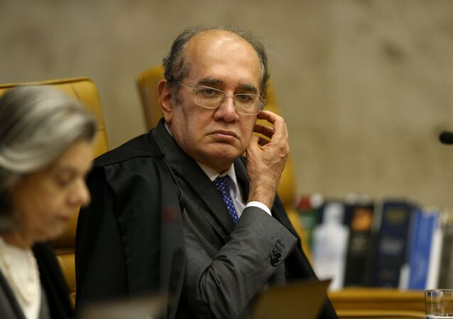 Ministro do STF Gilmar Mendes durante sessão plenária em Brasília