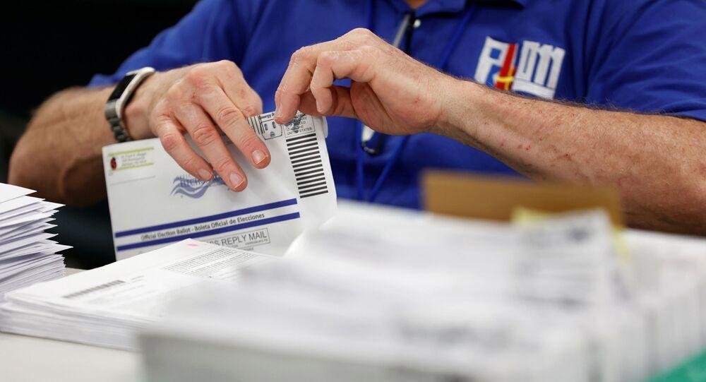 Contagem de votos no estado norte-americano da Pensilvânia (arquivo)