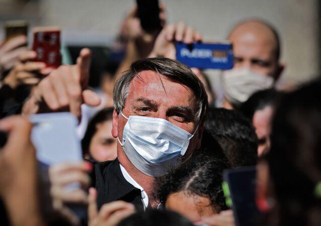 Presidente do Brasil, Jair Bolsonaro se reúne com apoiadores em Brasília, 23 de agosto de 2020