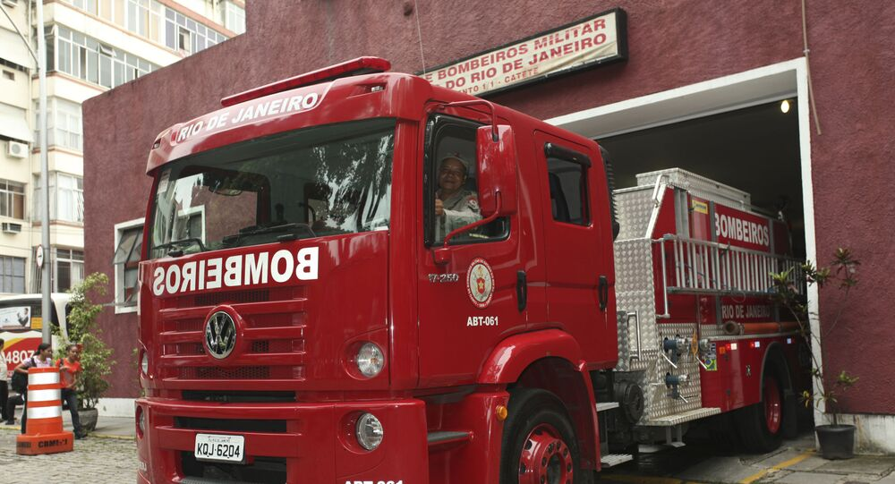 Caminhão do Corpo de Bombeiros Militar do Estado do Rio de Janeiro (imagem referencial)