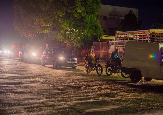 Amapá sofre apagão após incêndio em subestação; Macapá decreta calamidade pública e população sofre com crise de desabastecimento no Amapá, gerando filas em postos e falta de água