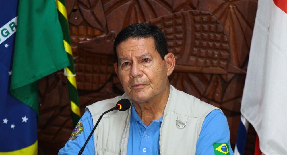 Vice-presidente Hamilton Mourão durante coletiva no Comando Militar da Amazônia, em Manaus (AM)