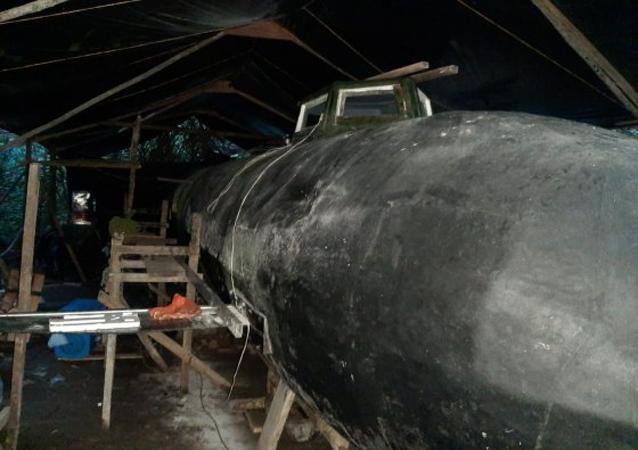 Raro minissubmarino elétrico na Colômbia