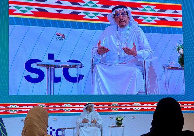 Ministro da Educação da Arábia Saudita, Hamad Al-Sheikh, discursa durante evento à margem da conferência de líderes do G20, realizado por videoconferência sob a presidência da Arábia Saudita, 22 de novembro de 2020