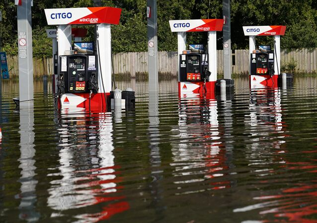 Posto de gasolina da Citgo inundado após passagem da tempestade tropical Harvey em Port Arthur, Texas, EUA, em 31 de agosto de 2017