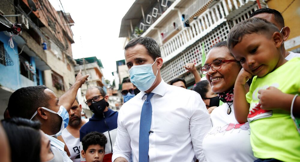 Líder opositor venezuelano, Juan Guaidó, durante ato de campanha em Caracas, Venezuela, 24 de novembro de 2020
