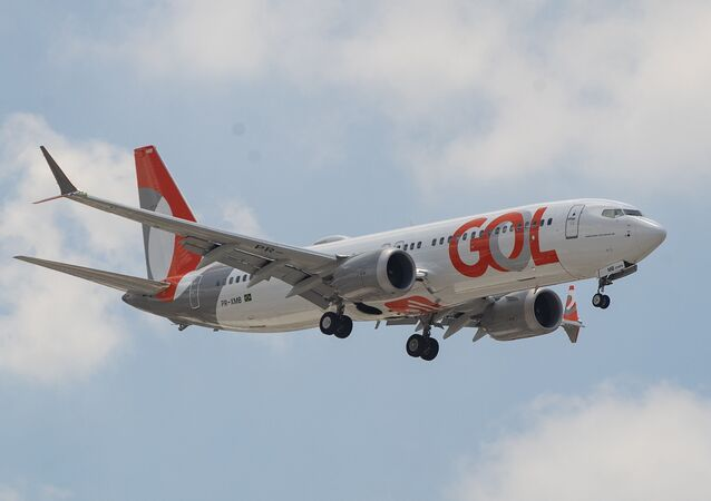 Boeing 737 MAX da Gol Linhas Aéreas se aproximando do Aeroporto Internacional de Guarulhos, São Paulo, 9 de dezembro de 2020