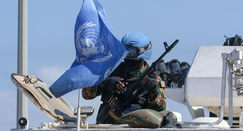Soldado da missão de paz da ONU no Líbano (UNIFIL) durante patrulha na cidade de Naqura, na fronteira com Israel, 11 de outubro de 2020