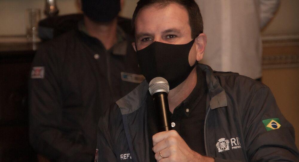 O prefeito Eduardo Paes (DEM) em coletiva de imprensa.