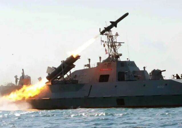 Embarcação anti-míssil norte-coreana Kumsong-3 (variante do russo Kh-35)