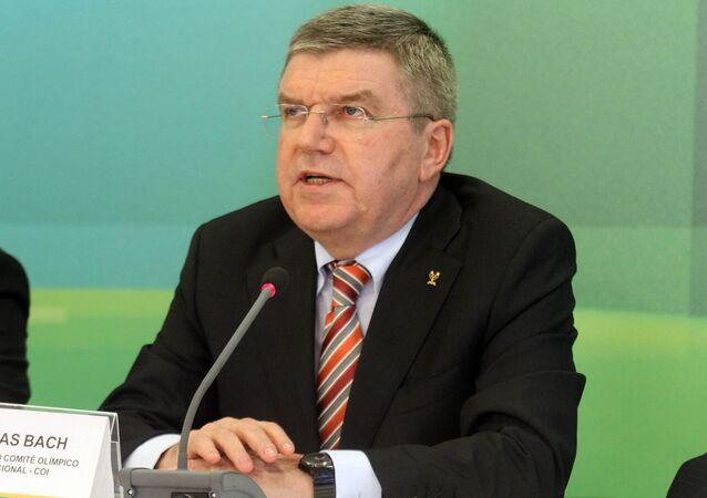 O presidente do Comitê Olímpico Internacional, Thomas Bach, durante reunião com a presidente Dilma Rousseff, em 2015.