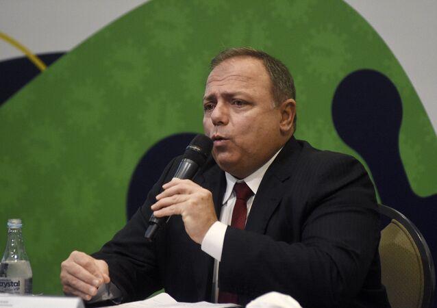 O ministro da Saúde, Eduardo Pazuello, fala sobre o projeto ImunizaSUS, que irá capacitar mais de 94 mil profissionais de saúde que trabalham em salas de vacinação, no dia 21 de janeiro de 2021, em Brasília.