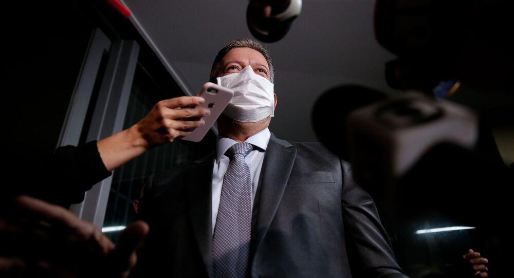 Presidente da Câmara, Arthur Lira (PP-AL), concede entrevista a jornalistas na Câmara dos Deputados