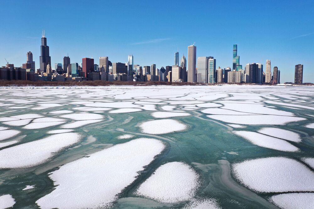 Gelo no lago Michigan, EUA, em 9 de fevereiro de 2021