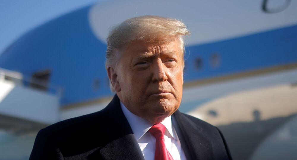 Donald Trump, então presidente dos EUA, fala à mídia em Washington, EUA, 12 de janeiro de 2021
