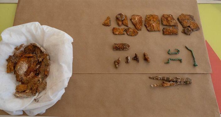 Artefatos descobertos durante os trabalhos de restauração da Muralha Púnica de Cartagena, Espanha