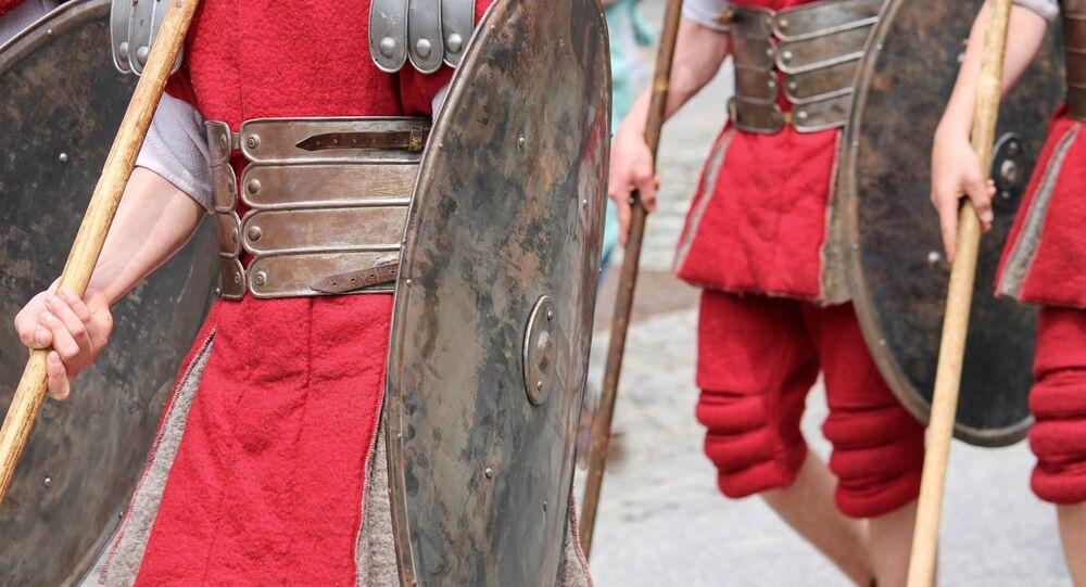 Escudo romano (imagem referencial)