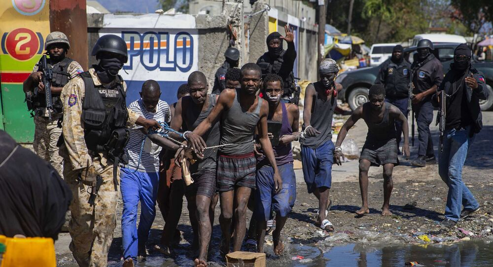 Presos são recapturados pelas forças de segurança após rebelião em presídio no Haiti