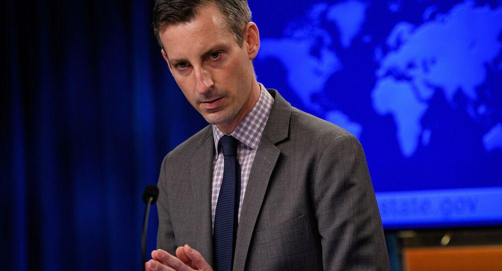 Ned Price, porta-voz do Departamento de Estado dos EUA, durante coletiva de imprensa no Departamento de Estado norte-americano em Washington, EUA, 25 de fevereiro de 2021
