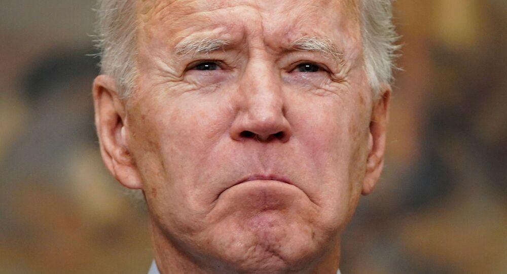Presidente dos EUA, Joe Biden, discursa após aprovação de pacote de ajuda contra a COVID-19 pela Câmara dos Deputados, Washington, 27 de fevereiro de 2021