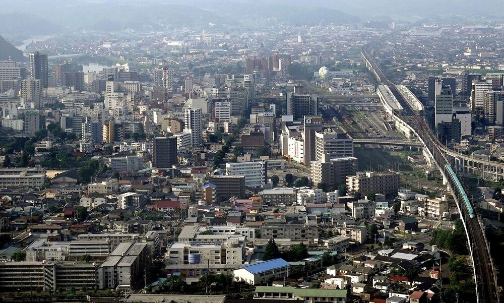 Vista para a cidade de Fukushima da montanha Shinobu, prefeitura de Fukushima, Japão, 9 de março de 2020