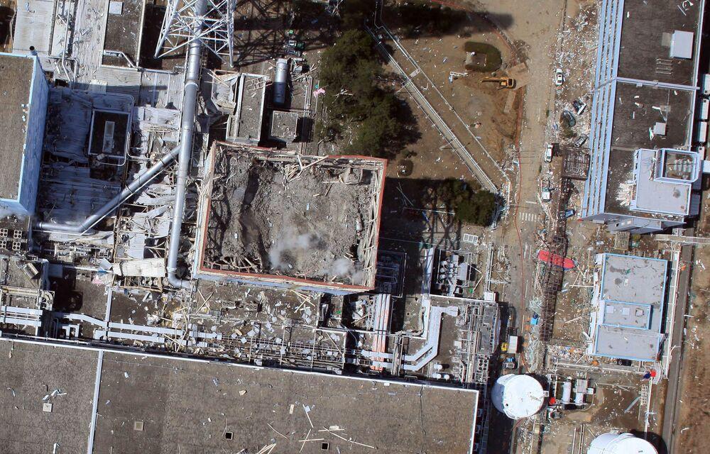 Vista aérea de drone para a usina nuclear danificada de Fukushima Daiichi, em Okuma, prefeitura de Fukushima, Japão, 24 de março de 2011